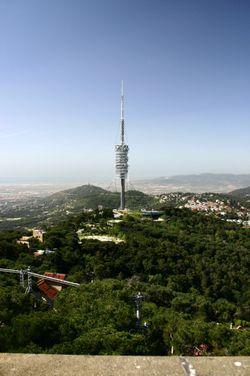 20080529151757-wikipedia-barcelona.tibidabo.torre.collserola.jpg