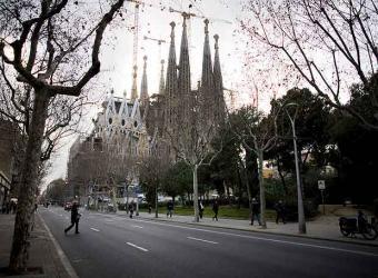 20081204175851-sagrada-familia-vista-calle-mallorca.jpg
