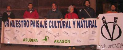 APUDEPA presenta las fotos de la manifestación de Aragón no se vende (5-5-2007)