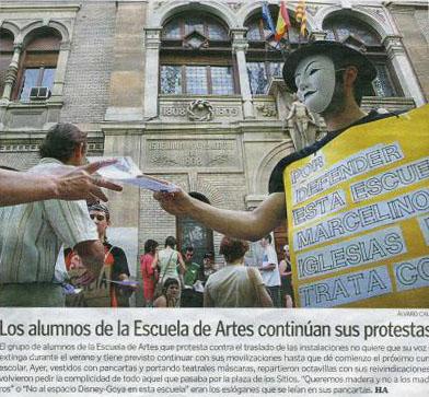 Los alumnos protestan en defensa del emplazamiento y uso histórico de la Escuela de Artes de Zaragoza (España)