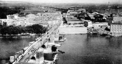Reacciones al rebaje de la solera del Puente de Piedra y a la posible destrucción del claustro de San Lázaro