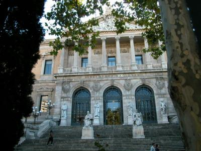 La Biblioteca Nacional: la huella del robo en los documentos recuperados como valor histórico añadido