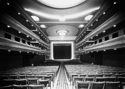 20090602195321-breton-salamanca-teatrointerior.jpg