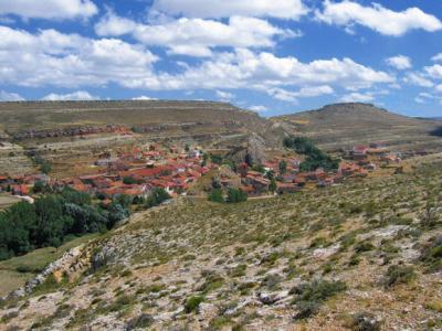 El pueblo de Jorcas, en Teruel, un modelo con la Fiesta del Árbol