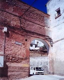 En Calcena había un arco  de entrada a la plaza mayor