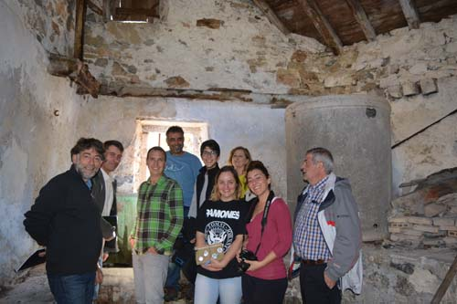 Diversos colectivos visitan Panticosa ante la degradación de los bienes antiguos del balneario